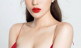 """Bị khách hàng khó tính phàn nàn về chất lượng tiệm nail, Hoa hậu Kỳ Duyên vẫn """"ghi điểm"""""""