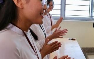 Phải dạy cả văn hóa, đạo đức và những kỹ năng sống