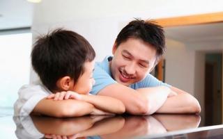 Không phải đánh đòn, đây là cách cha mẹ cần làm khi con nói