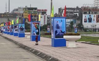 Bộ VHTTDL tổ chức trưng bày120 tác phẩm cổ động kỷ niệm ngày thống nhất đất nước