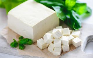 Top 10 thực phẩm giàu protein và ít calo giúp giảm cân an toàn nhất